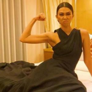 Kubur Nenek Masih Merah, Netizen Hentam Sharifah Sakinah Tayang Dada Dan Ketiak