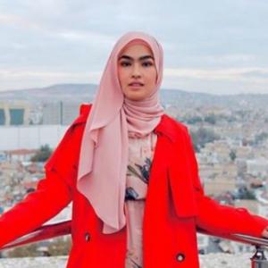 """""""Dulu Kata Tak Mahu Tayang""""-Elfira Loy Kongsi Gambar Dengan Tunang, Ramai Puji Kacak"""
