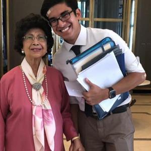 """""""Dosa Tu!"""" - Bila Syed Saddiq Pegang Tangan Siti Hasmah, Ramai Jadi Geng Ustaz Socmed"""