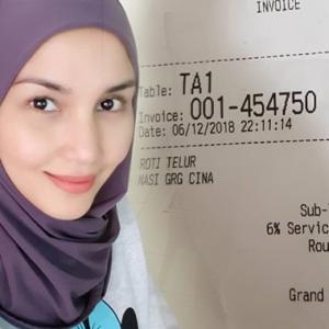"""""""Berbaloi Ke Nasi Goreng Bodoh Macam Ni Hampir RM12?"""" - Fiza Berang Harga Cekik Darah"""