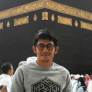 """Johan As'ari Riak Tayang Baca Al-Quran Hari-Hari, Tapi Berpeluk Sakan Dengan Perempuan"""