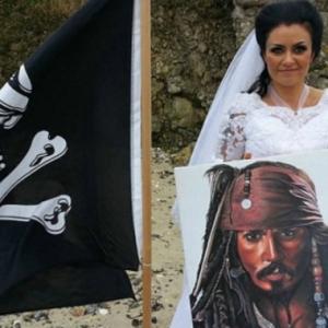 """""""Bukan Senang Bercinta Dengan Roh,""""-Wanita Bercerai Dengan Hantu Lanun Berusia 300 Tahun"""