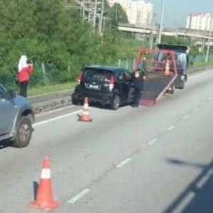 Viral: Enjin Mati Mendadak,  Puluhan Kereta Tersadai Selepas Isi Minyak Di Petronas