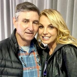Kerana Masalah Kesihatan Ayah, Britney Tangguh Album Dan Persembahan Vegas