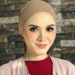 Lima Tahun Pujuk, Akhirnya Suami Izin Hanez Suraya Berlakon