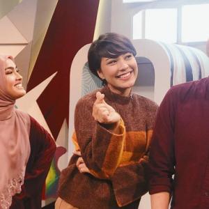 """Tolong Jaga Adab Muslimah"" - Netizen Meluat Janna Nick 'Kacau' Suami Elfira Loy"