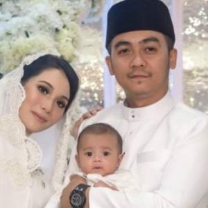 Dulu Kecoh Suami Menggatal, Kini Rumah Tangga Elvina Mohamad Dah Pulih