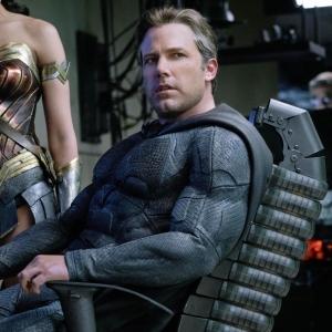 Pengarah Zack Snyder Ucap Terima Kasih Kepada 'Batfleck'!