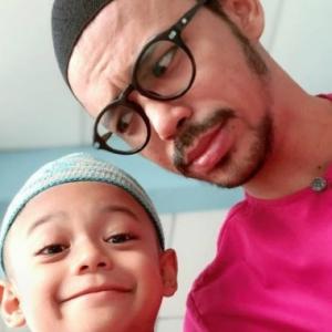 Along Cham Dah Tak Berdendam Dengan Bekas Isteri, Hantar Anak Ke Madrasah