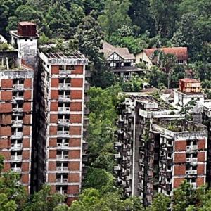 Highland Tower Bakal Roboh Jun 2019 Ini, Bangunan Simpan Tragedi Terburuk Di Malaysia
