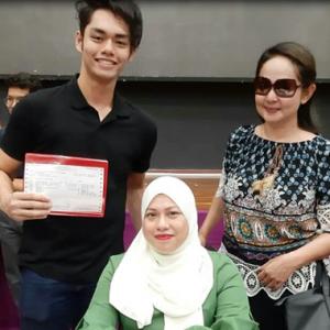 """Selebriti Pun Mampu Didik Anak"" - Jasmin Hamid Teruja Anak Cemerlang SPM"