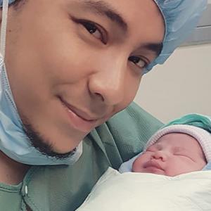 Syamsul Yusof Dan Puteri Sarah Timang Anak Kedua! Namanya...