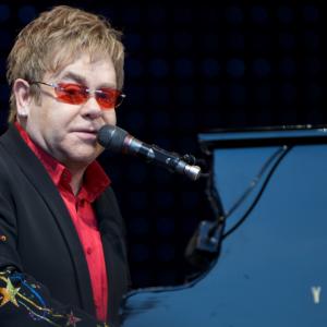 Anggap Tindas Golongan Gay, Elton John Pula Memboikot Hotel Milik Brunei