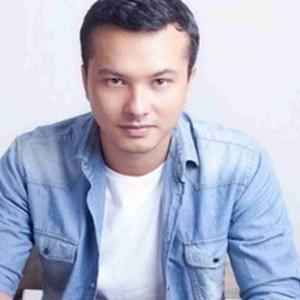 Nicholas Saputra Bakal 'Belanja Selfie' Kepada Warga Indonesia Yang Mengundi 17 April