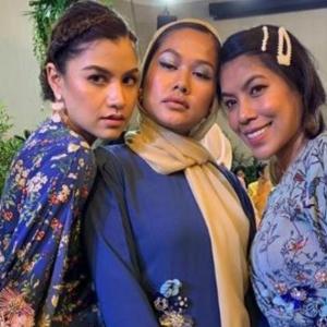 Selendang Nipis Tayang Rambut, Hint Liyana Jasmay Nak Buka Tudung? Lisa Surihani Datang 'Bekap'