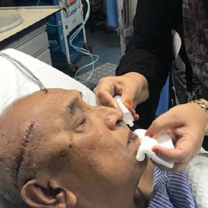 Timbalan Pengerusi Veteran UMNO Kelantan Parah Ditetak Depan Kedai Makan