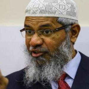 Zakir Naik Bikin Panas 'Usik' Kaum Cina Malaysia, Syed Saddiq Serang Balas..