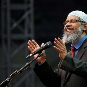 Mengejutkan! Sarawak Haramkan Dr. Zakir Naik Memasuki Negeri Itu
