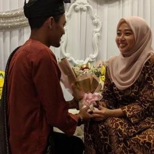 Kenal Menerusi PUBG, Lelaki Kahwini Gadis Lumpuh Kaki