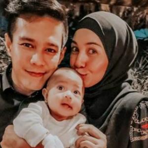 Kongsi Perkembangan Bayi, Izreen Azminda Makin Bahagia - Bila Nak Buka Ruangan Komen?
