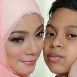 """""""Nak Sangat Jadi Penyanyi Tapi Mama Tak Bagi""""- Linda Rafar Kongsi Suara Arwah Anak"""
