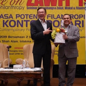 Luar Biasa! Anwar Ibrahim Cadang Perluas Bantuan Zakat Kepada Bukan Islam
