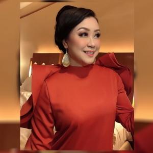 """""""Lepas Bercerai, Esok Terus Masuk Kerja"""" - DJ Lin Lebih Selesa Hidup Tanpa Suami"""