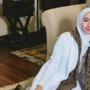 """Lebaran Pun Tak Ada Foto Famili"" - Netizen Membawang LCB Tak Kongsi Foto Suami"