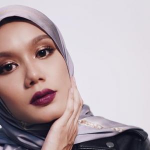Cantik Macam Erra Fazira, Fazura Pun Suka Tengok Mimi Lana Bertudung!