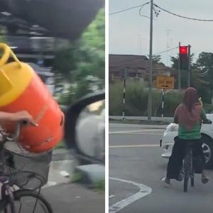 Hati Kering! Wanita Selamba Kayuh Basikal Bawa Tong Gas Dalam Raga