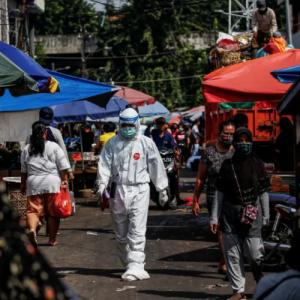 COVID-19 Di Indonesia Semakin Membimbangkan, Hampir 13,000 Kes Sehari