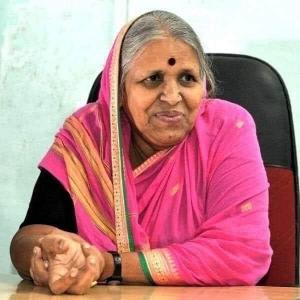 "Kisah Hidup Wanita Hebat, Sidhutai Sapkal ""Mother Of Orphans"""