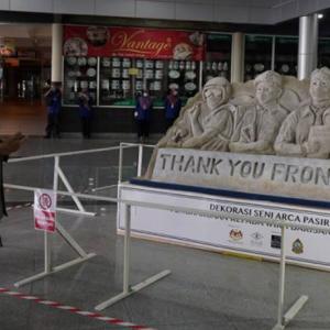 Pelancong sihat wajar dibenarkan melancong ke Langkawi - Dr Mahathir
