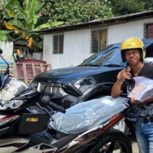 Syahmi Sazli Hadiahkan Motor Y15 Kepada Yoe Dan Bedul