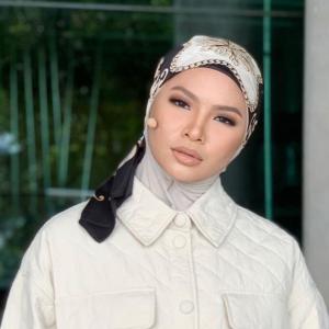 Susah Nak Mekap, Aina Abdul Pernah Hilang Keyakinan Diri Sebab Muka Berjerawat