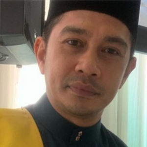 """Disiplin Tiada, Skrip Tak Hafal,""- Fizz Fairuz Bising Sikap Pelakon Baharu 'Bajet Bagus'"