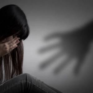 Trauma Akibat Gangguan Seksual Ahli Keluarga Termasuk Ayah Sendiri, Wanita Ini Terus Anti-Lelaki!