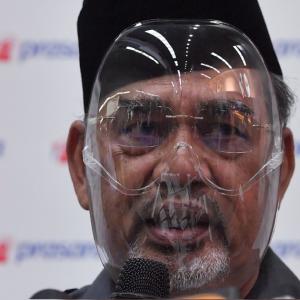 Pemimpin Bodoh - Tindak Tanduk Tajuddin Abdul Rahman Dikecam Ramai