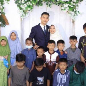 Pengantin Jemput & Bagi Sumbangan Kepada Anak Yatim Di Majlis Kahwin