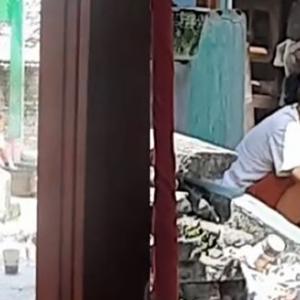 Aik, Jiran Sekeliling Tak Boleh Cuci Baju Ke Kalau Ada Majlis Tunang