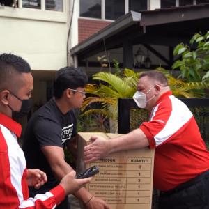 Bila Bos Pos Malaysia Turun Padang Jadi Posmen