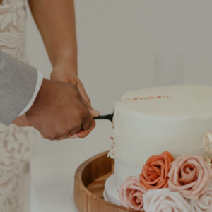 Wanita Berang Mentua Melahap Kek Kahwin Sampai Habis