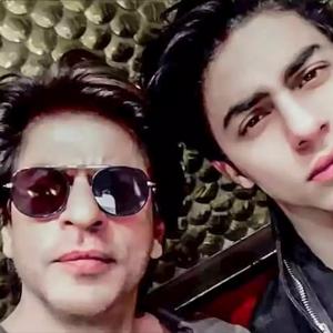 SRK Makan Hati, Tak Makan & Tidur Sejak Aryan Ditahan