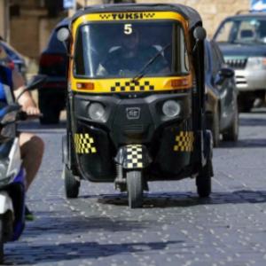 Terlampau Mahal, Penduduk Lebanon Tak Mampu Beli Kereta Dan Petrol